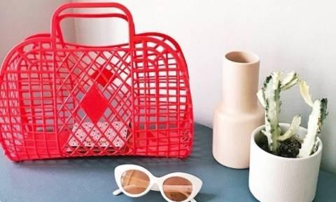Αυτή η τσάντα κοστίζει 11 Ευρώ και είναι η αγαπημένη όλων των fashionistas