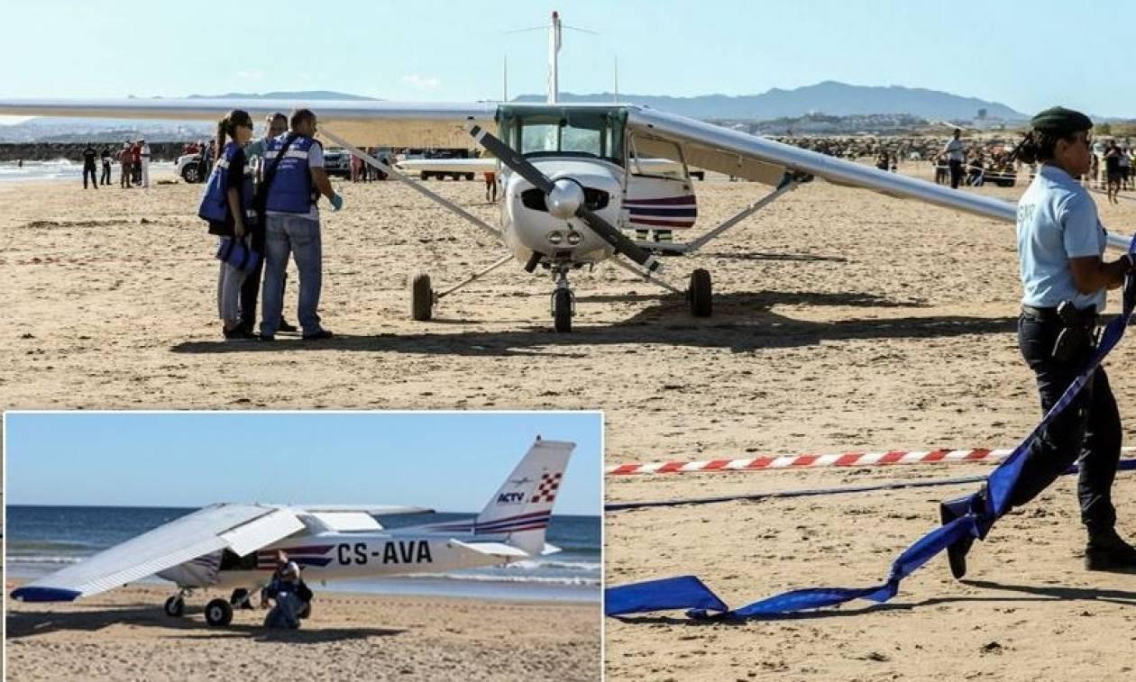 Τραγωδία στην Πορτογαλία: Δύο νεκροί από προσγείωση αεροπλάνου σε παραλία γεμάτη κόσμο (pics+vid)