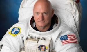 Έτσι περνούσε το χρόνο του ο αστροναύτης Σκοτ Κέλι στο διάστημα