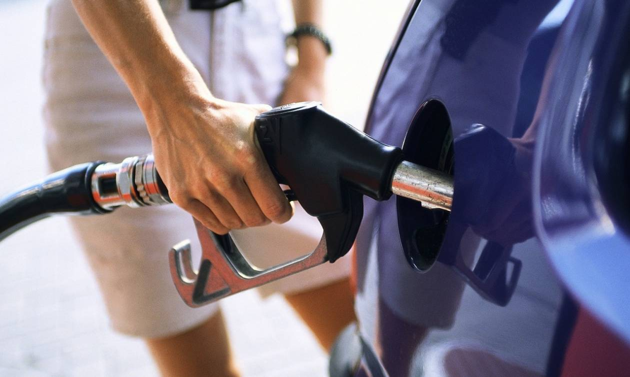 Ουρές για τζάμπα βενζίνη – Σε αυτό το πρατήριο χάλασε ο αυτόματος πωλητής