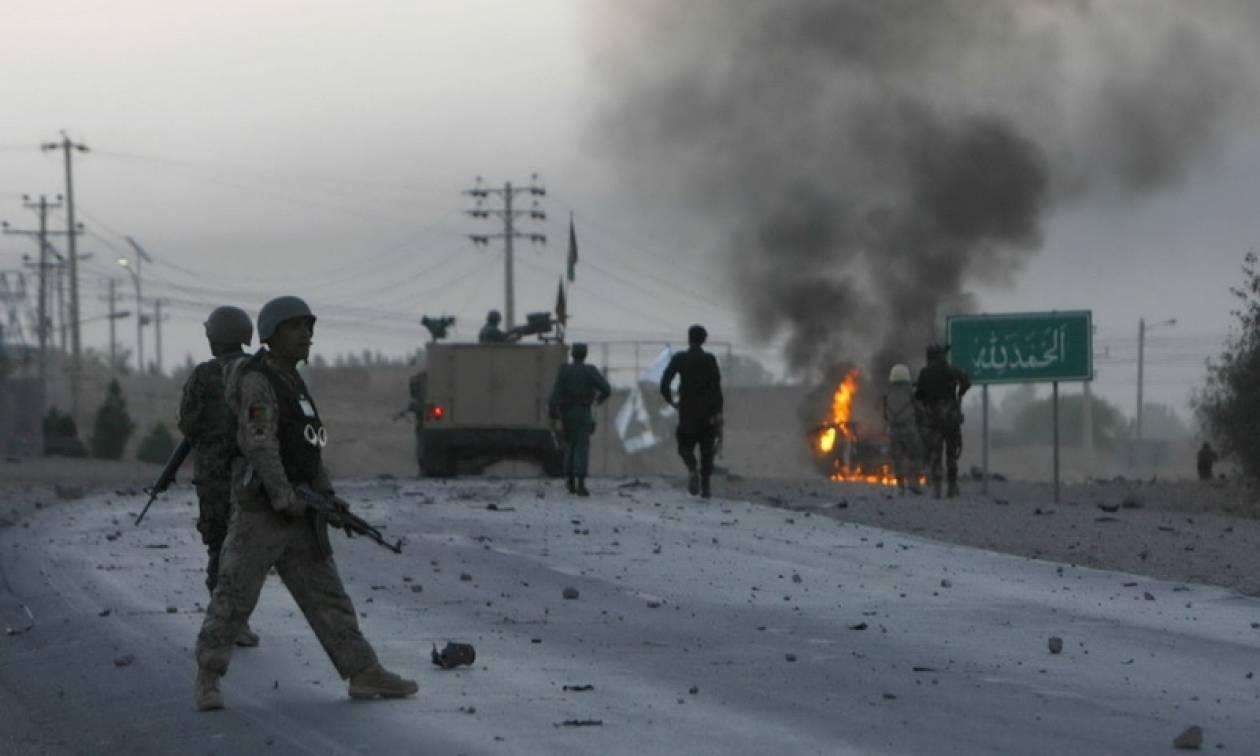 Αφγανιστάν: Επίθεση με έναν νεκρό και έξι τραυματίες σε περιπολία του ΝΑΤΟ