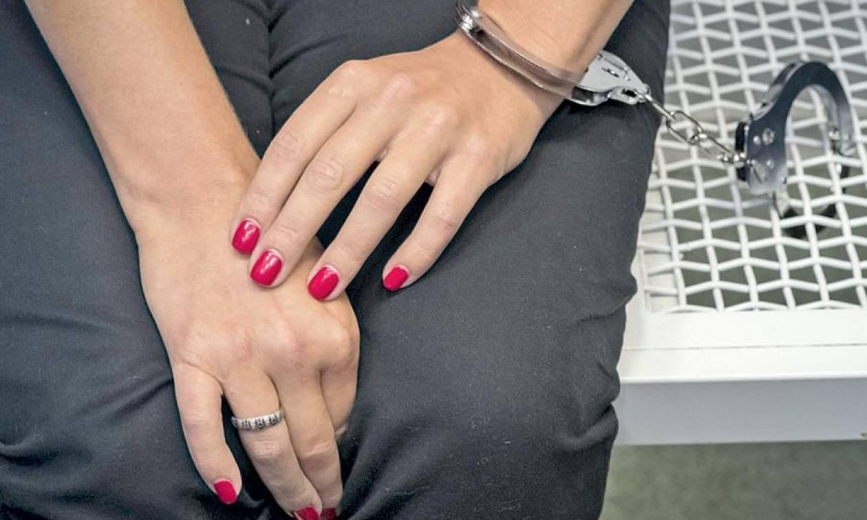 Άγιος Δημήτριος: Το ένοχο μυστικό γυναίκας αποκαλύφθηκε και έφερε… χειροπέδες