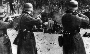 Έξαλλη η Μέρκελ: Πολεμικές αποζημιώσεις για τα εγκλήματα της ναζιστικής Γερμανίας αξιώνει η Πολωνία