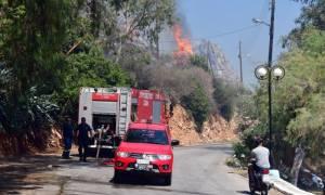 Συναγερμός για φωτιά στο Γαλάτσι - Ένας τραυματίας