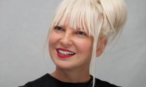 Άλμπουμ με χριστουγεννιάτικα τραγούδια από τη Sia