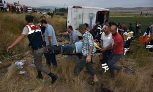 Τραγωδία στην Τουρκία: Τουλάχιστον έξι νεκροί και δεκάδες τραυματίες από ανατροπή λεωφορείου (Vid)