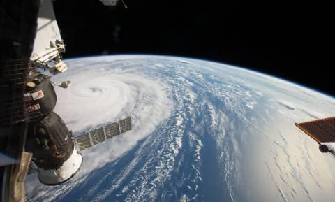 Δείτε από το διάστημα τον τρομακτικό τυφώνα Νόρου καθώς σαρώνει την Ιαπωνία (Vid+Pics)