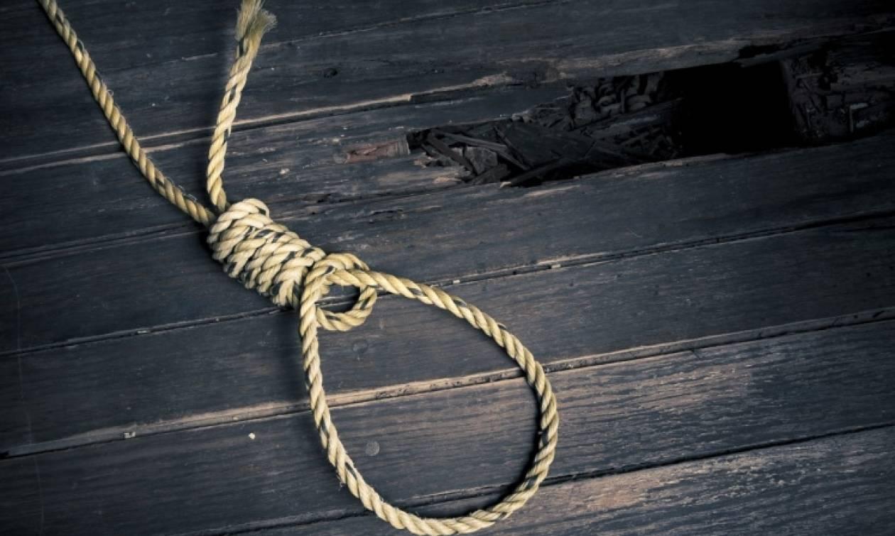Τραγωδία στη Χίο: Ανθυπασπιστής κρεμάστηκε με το κορδόνι της αρβύλας του