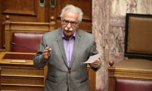 Γαβρόγλου: Όχι σε ανταγωνισμούς με φόντο τη σημαία
