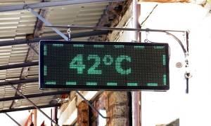 Καύσωνας: Ανάσες δροσιάς στο δήμο Αθηναίων - Πού λειτουργούν κλιματιζόμενες αίθουσες