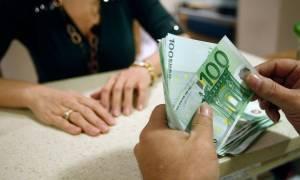 Τα χρέη γονατίζουν τους Έλληνες: 5,5 δισ. τα νέα «φέσια» στο Δημόσιο