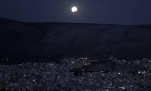 Πανσέληνος Αυγούστου 2017: Μαγεία στον ουρανό - Πανσέληνος και μερική έκλειψη