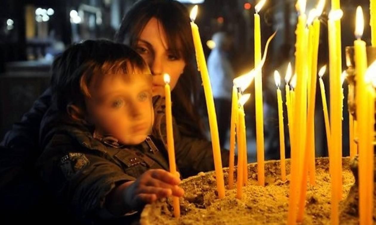 Δεν έχουν ιερό και όσιο: Καταργούν και τον εκκλησιασμό των μαθητών; Τι απαντά το υπουργείο Παιδείας