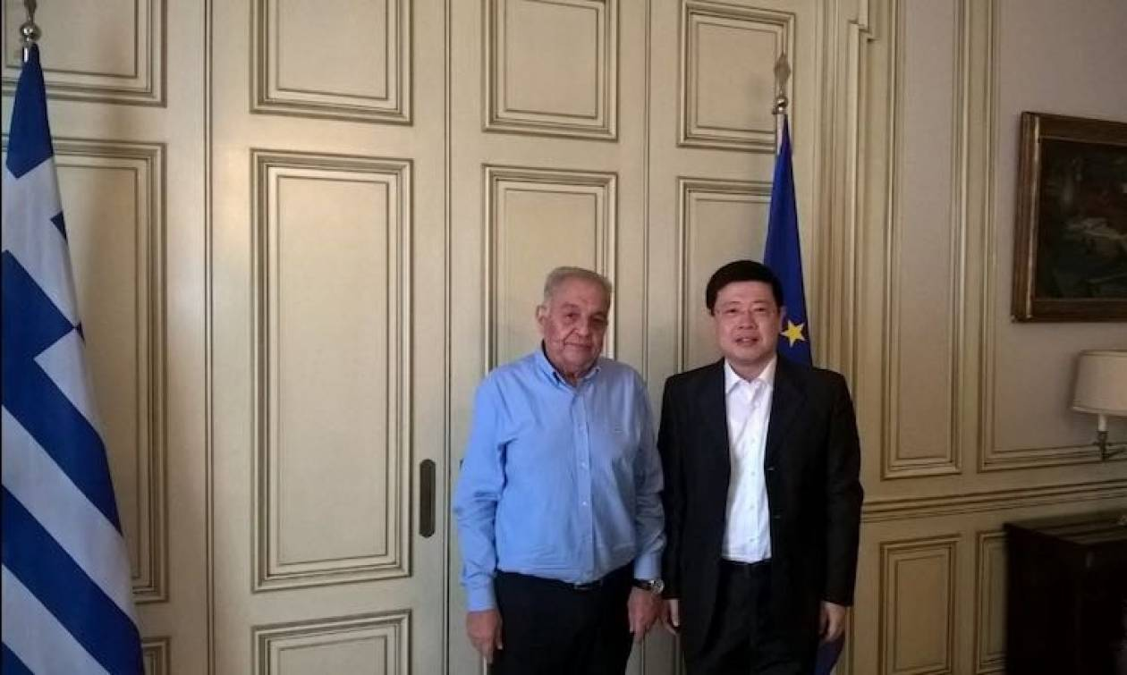 Συνάντηση Φλαμπουράρη με τον πρέσβη της Κίνας