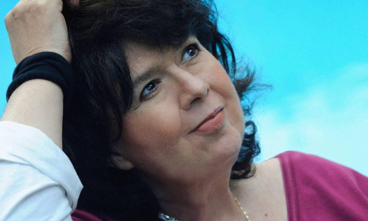 Αρλέτα: Ποια ήταν η τραγουδοποιός που έφυγε από τη ζωή – Τα τραγούδια που αγαπήσαμε