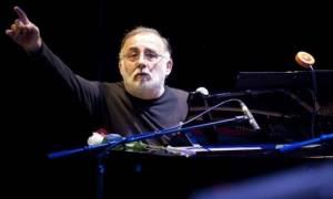 Θάνος Μικρούτσικος: Το πρώτο μήνυμα του μουσικοσυνθέτη μετά την επέμβαση