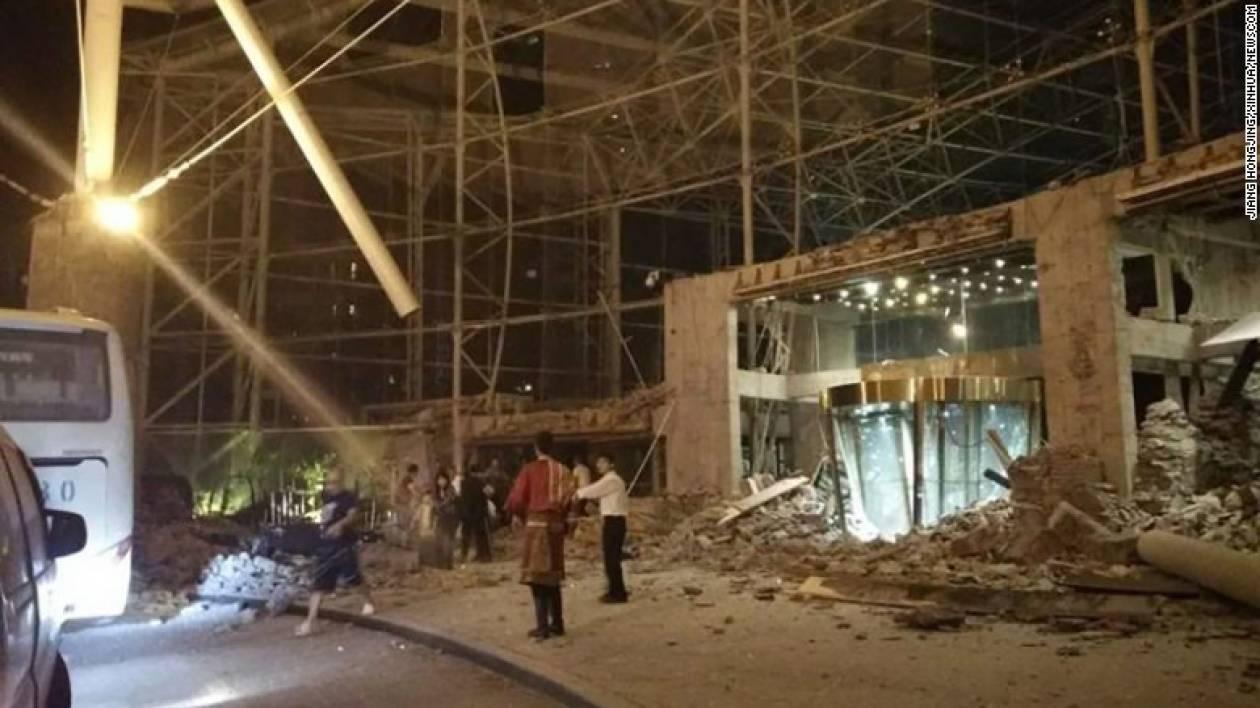 Φονικός σεισμός στην Κίνα: Στους 19 οι νεκροί, φόβοι ότι μπορεί να φτάσουν τους 100 (pics)