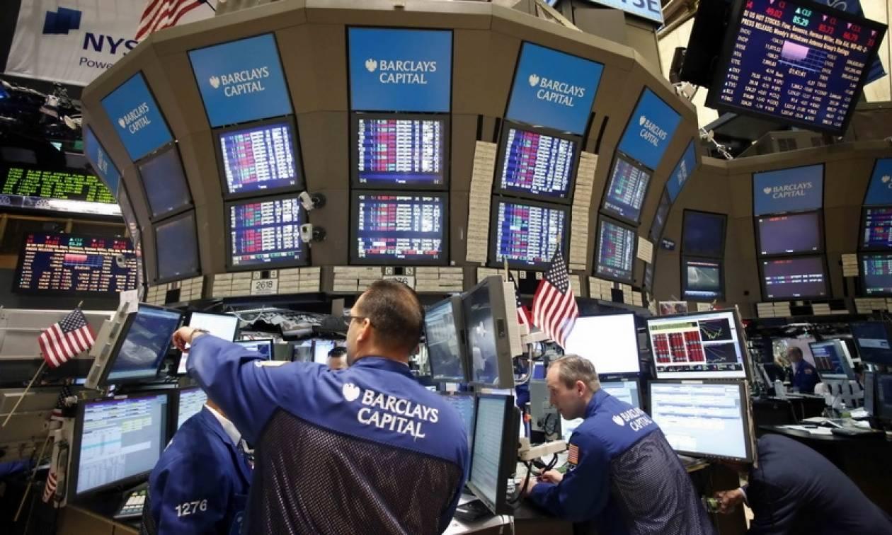 Κλείσιμο με νέα πτώση στη Wall Street