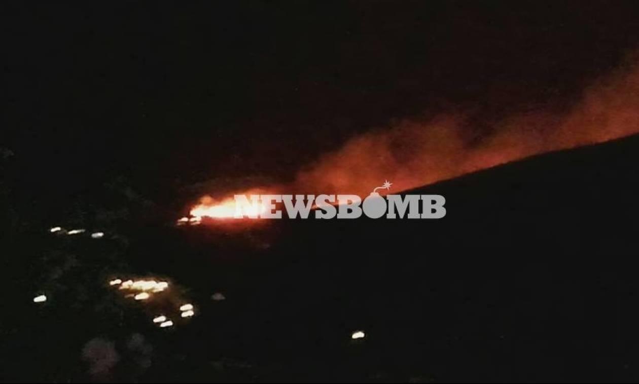 Φωτιά ΤΩΡΑ: Δύσκολη η νύχτα στην Τζιά - Εστάλησαν ενισχύσεις από την Αθήνα