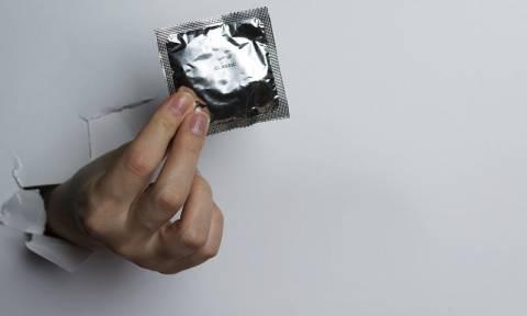 Ένα σοβαρό λάθος στη χρήση του προφυλακτικού που μειώνει την αποτελεσματικότητά του