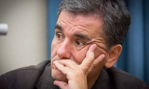 Tsakalotos: Government doesn't question data on which its program was based on