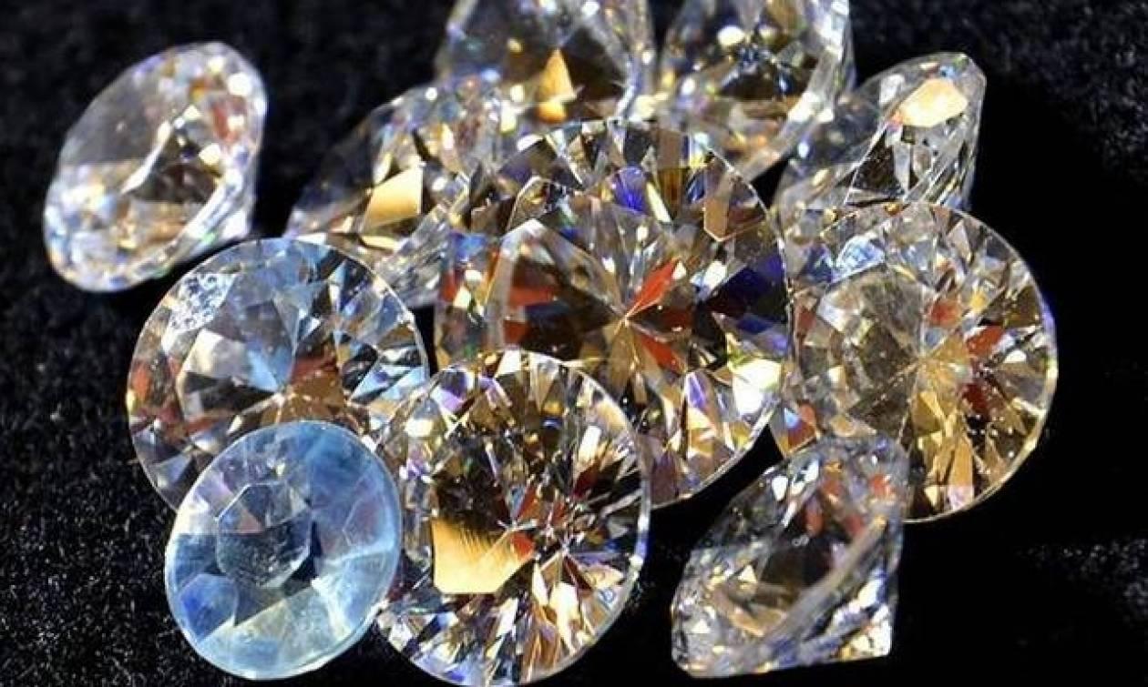 Ρόδος: Πιάστηκε στα... πράσα με εκατοντάδες διαμάντια