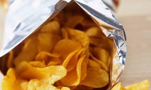 Η απίστευτη εξήγηση γιατί ένα σακουλάκι με πατατάκια δεν είναι ποτέ γεμάτο