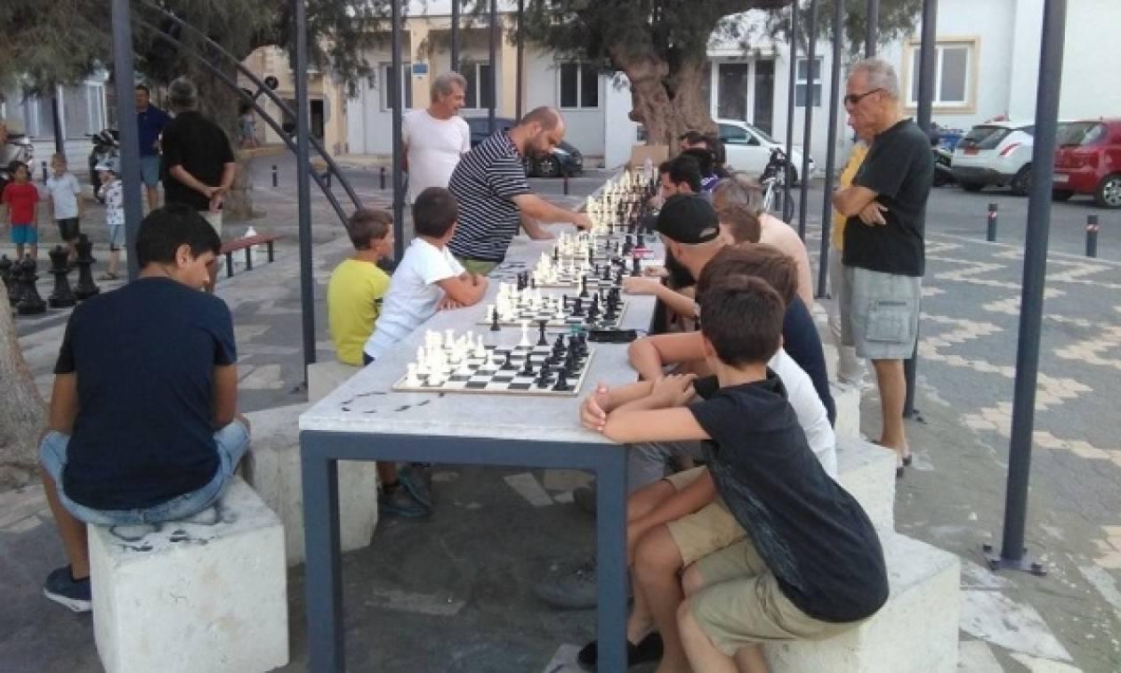 Κρήτη: Παίξτε σκάκι σε υπαίθρια σκακιέρα!