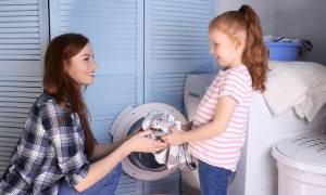 Γιατί είναι ωφέλιμο τα παιδιά να συμμετέχουν στις δουλειές του σπιτιού