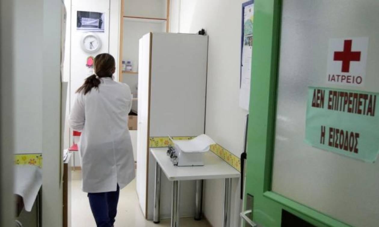 ΣΟΚ! Στο νοσοκομείο με καρκίνο του πνεύμονα γνωστός Έλληνας παρουσιαστής