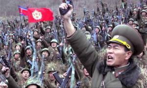Σειρήνες πολέμου Βόρεια Κορέα: Εκατομμύρια πολίτες κατατάσσονται στο στρατό έτοιμοι για πόλεμο