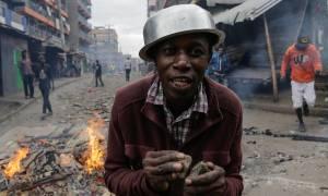 Μακελειό στην Κένυα: Εννέα νεαροί σκοτώθηκαν από σφαίρες στο Ναϊρόμπι (Vid)