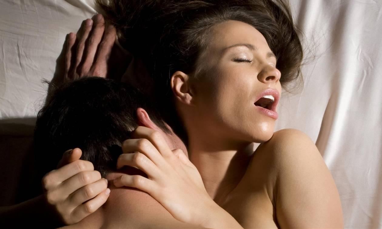 Σεξ: 5 πράγματα που θα διώξουν το άγχος πριν πέσεις στο κρεβάτι μαζί της