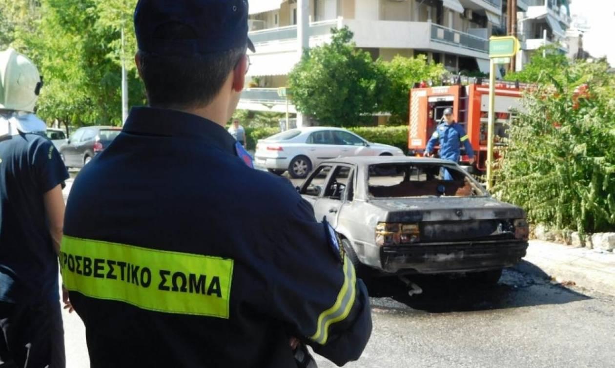 Πάτρα: Στα ίχνη του πυρομανή η ΕΛ.ΑΣ - Ανακρίνουν ύποπτο για τους εμπρησμούς στα οχήματα