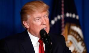 Ο Τραμπ καταδικάζει τον «σατανικό ρατσισμό» και τα επεισόδια στο Σάρλοτσβιλ