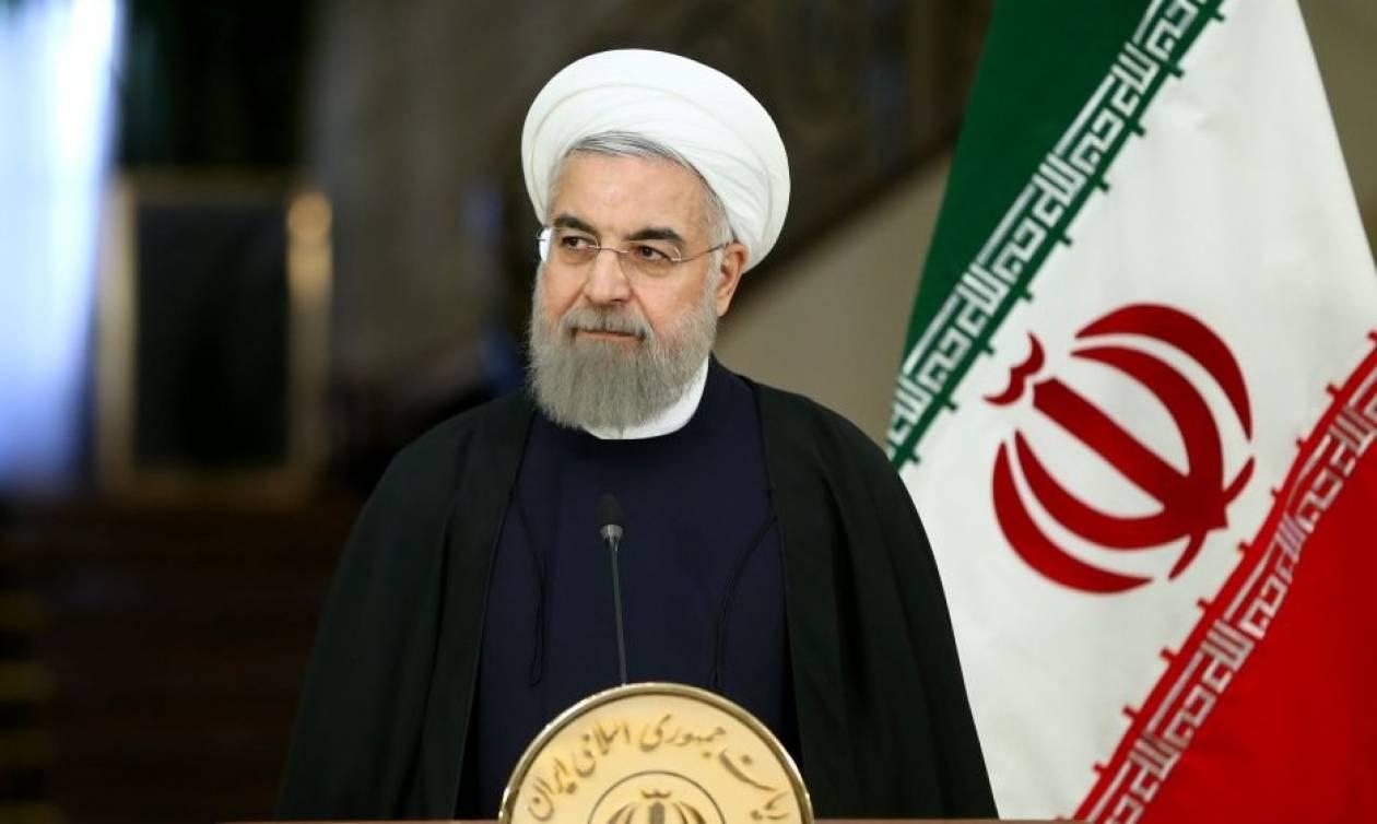 Ιράν: Απειλεί να «τινάξει» στον αέρα τη συμφωνία για τα πυρηνικά ο Ροχανί