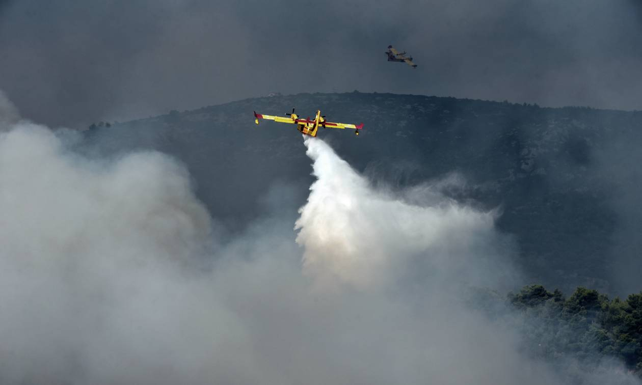 Φωτιά LIVE: Η Αττική φλέγεται - Κόλαση στο Καπανδρίτι - Η πυρκαγιά δεν αφήνει τίποτα όρθιο