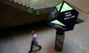 Σοκ στο City του Λονδίνου: Ανδρας έπεσε από τον έβδομο όροφο του Χρηματιστηρίου