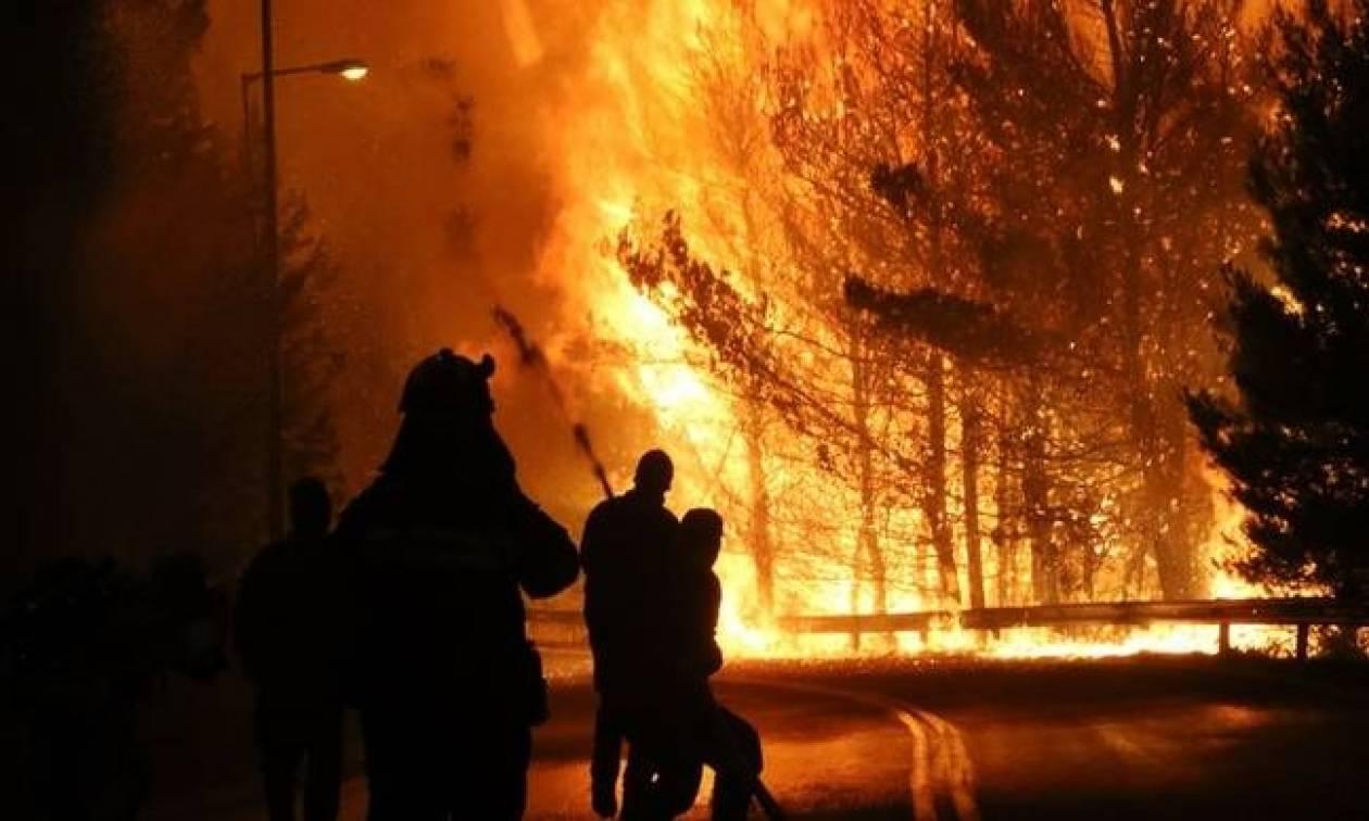 Φωτιά LIVE: «Συγκρατημένη αισιοδοξία» για τον έλεγχο της πυρκαγιάς στην Ανατολική Αττική
