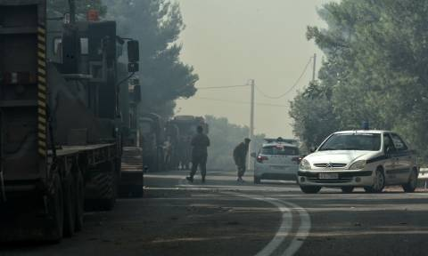 Φωτιά LIVE: Δείτε πού απαγορεύεται η κυκλοφορία λόγω της πυρκαγιάς στην Ανατολική Αττική
