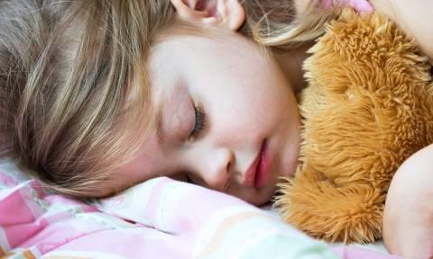 Έλλειψη ύπνου στα παιδιά: Ποιο σοβαρό κίνδυνο κρύβει
