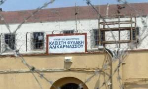 Ηράκλειο: Έγκλειστος έφερε τον υπάλληλο τετ α τετ με επικίνδυνη ασθένεια