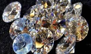 Ρόδος: Μετέφερε κρυμμένα στο εσώρουχό του… 578 διαμάντια!