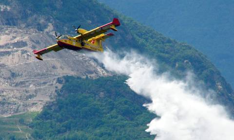 Canadair pilots tell people call them heroes - but they're just doing their jobs