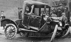 Σαν σήμερα συνέβη το πρώτο τροχαίο δυστύχημα και δε θα πιστεύετε με τι ταχύτητα έτρεχε το αυτοκίνητο
