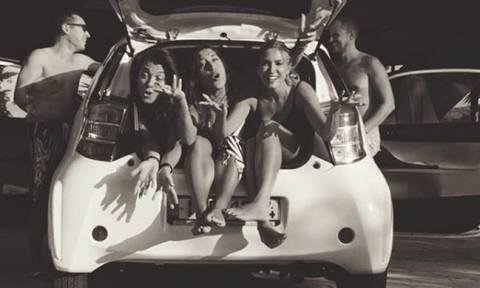 Μαντέψτε πόσοι μπήκαν στο πορτ μπακάζ του αυτοκινήτου με την Παπαβασιλείου