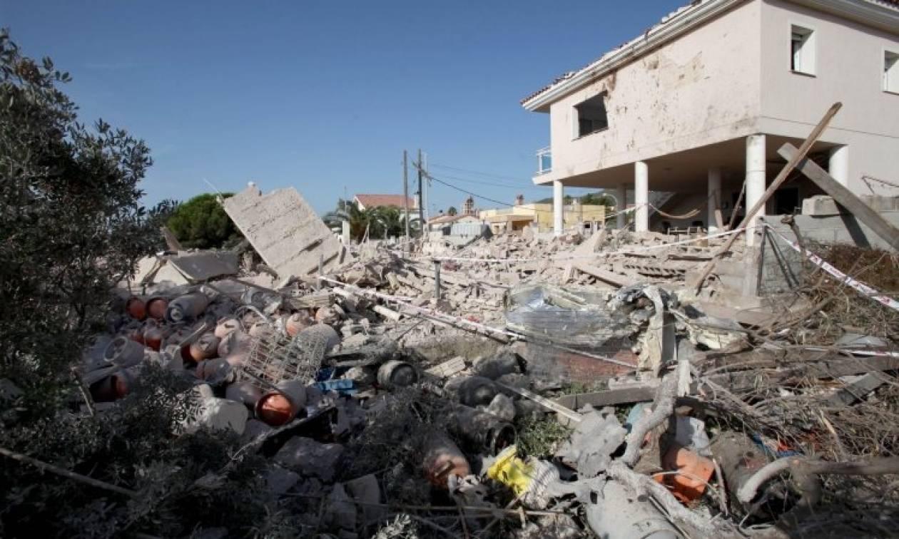 Καταλονιά: Οι κάτοικοι του σπιτιού όπου έγινε η έκρηξη προετοίμαζαν εκρηκτικά