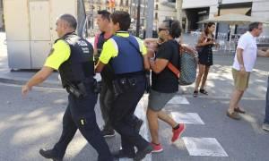 Επίθεση Βαρκελώνη: Ο τρόμος επέστρεψε στην Ευρώπη - Ανθρωποκυνηγητό για τη σύλληψη του μακελάρη