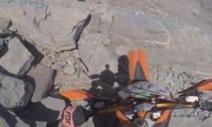 Πάτρα: Σοβαρά ο αναβάτης enduro που έπεσε σε γκρεμό