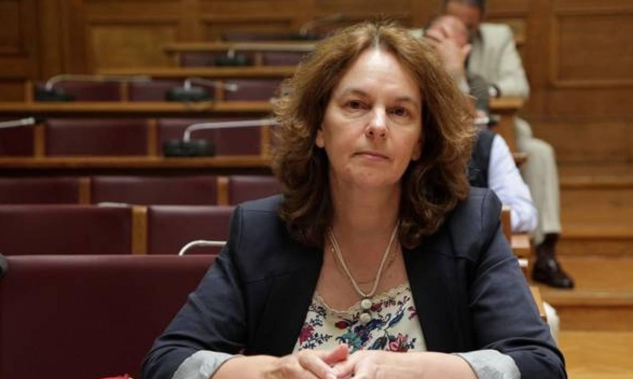 Παπανάτσιου για την επίθεση στο Βόλο: Οι φορολογικοί έλεγχοι θα συνεχιστούν κανονικά